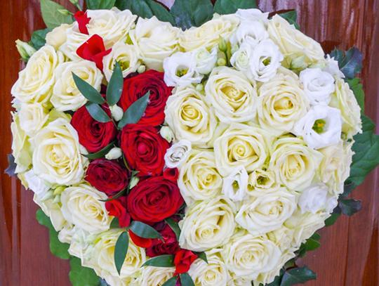 Wieńce z kwiatów sztucznych